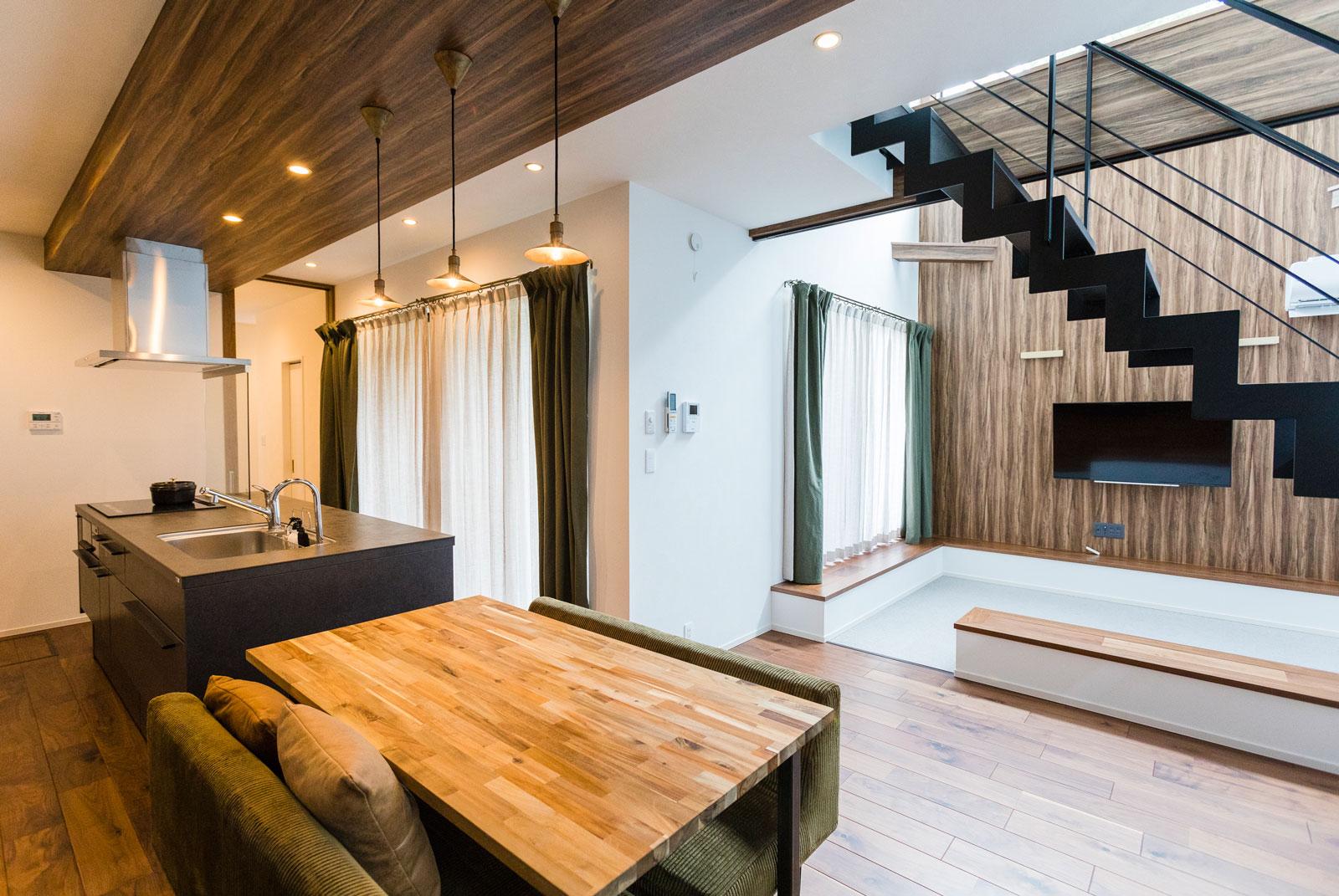 東栄住宅のリビング実例