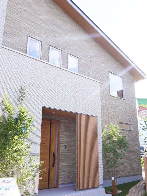 アルプスピアホームの完全フル装備の家外観画像