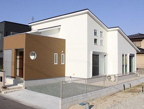 クレセントホームの注文住宅外観画像