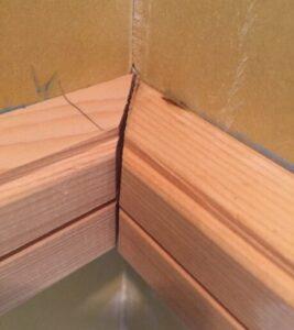 巾木の施工不良